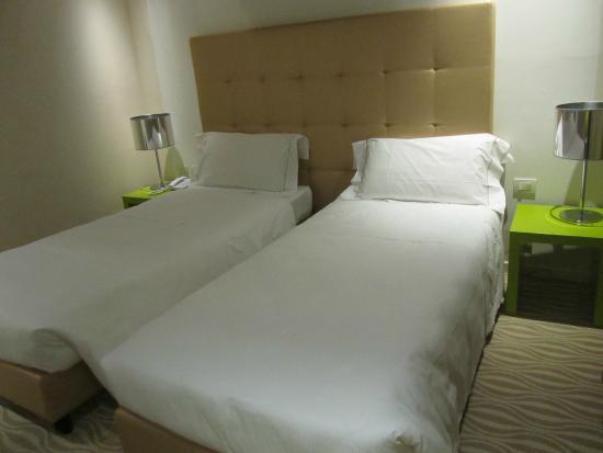 One Hotel: Camas de solteiro...estávamos de casal
