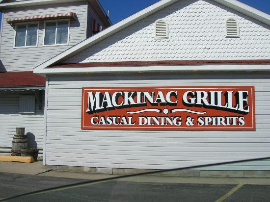 Mackinac Grille: Front sign