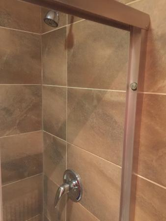 Rustik Motel : Shower