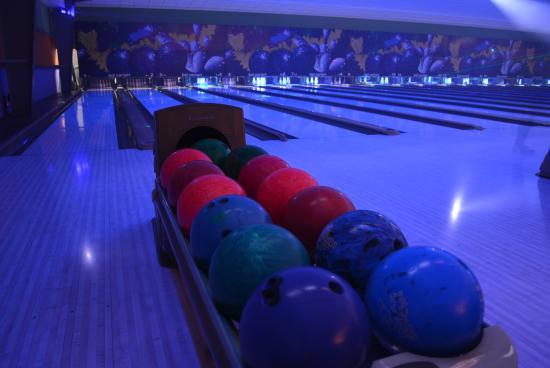 San Antonio De Belen, Kosta Rika: Cosmic Bowling