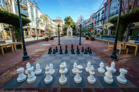 Play huge chess in the park - Picture of Santana Row, San Jose ...