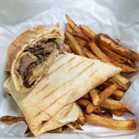 Mezza Cafe: Shawarma and fries