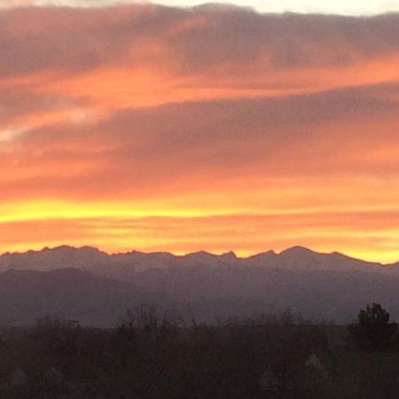 Hampton Inn Denver North / Thornton : Sunset Over The Front Range - Thornton CO