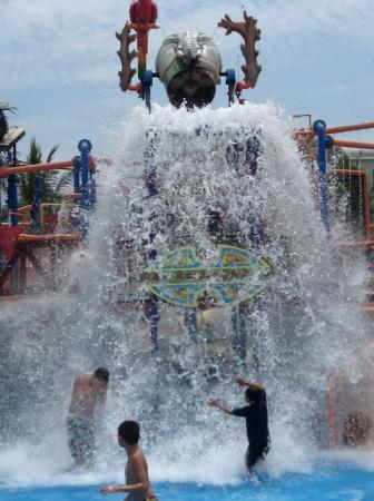 Splash Jungle Waterpark: Waterpark fun