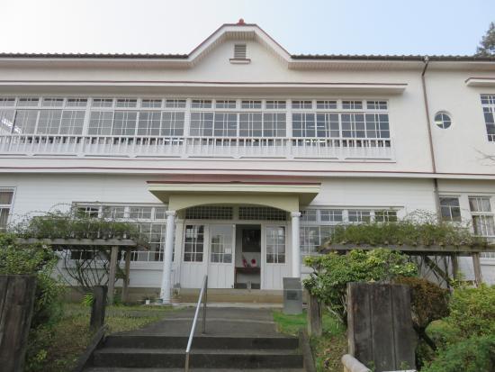 Ridell-Wright Memorial Hall