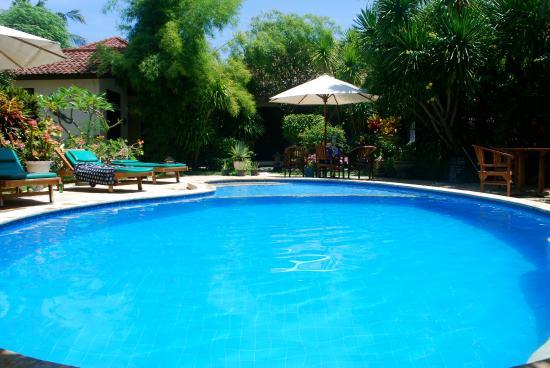 Rumah Saga: Pool