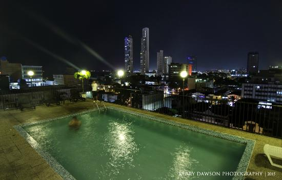 Hotel Costa Inn: Great rooftop pool!