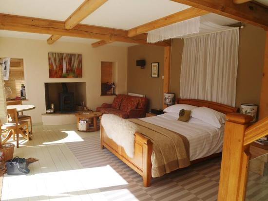 Abbots Lodge: The lovely room
