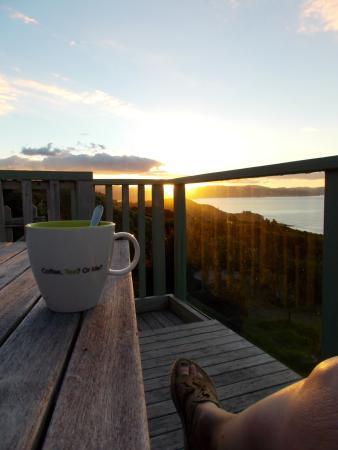 Kaeppeli's Bed and Breakfast: Tea at sunset!
