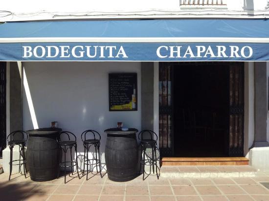 Bodeguita Chaparro: 2015 Terraza e Interior