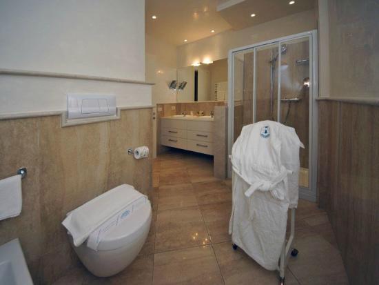 Hotel Baia D'Oro: Bagno camera Superior