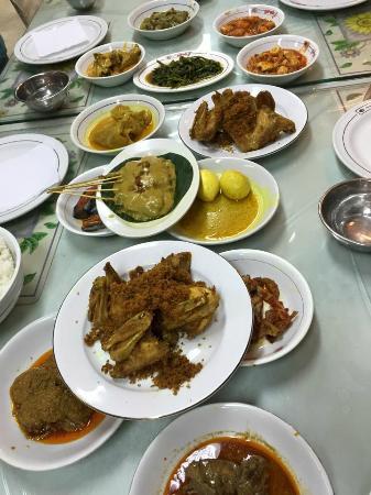 Garuda Padang Food: Nasi Padang