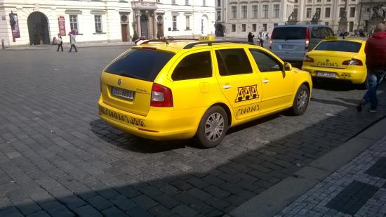 Parkhotel Praha: Occhio ai Taxi Tarocchi - vi sono i cloni tripla A (AAA) ma quelli veri e più onesti come tariff