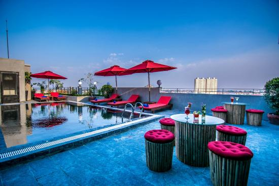 Diamond Palace Resort and Sky Bar