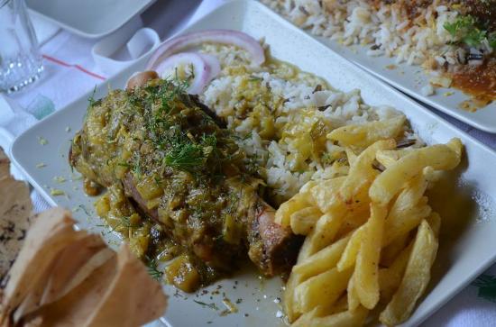 Sinantisi Restaurant: 1