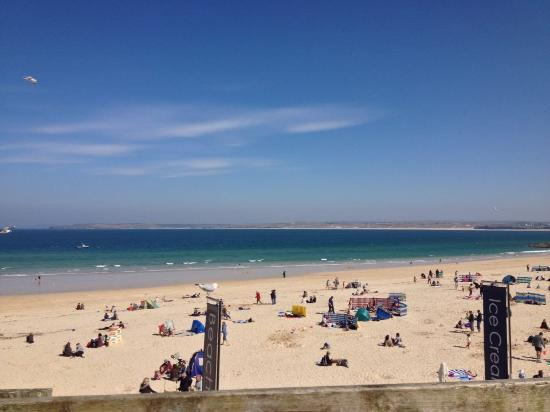 Golden Hind Guest House: Porthminster Beach.