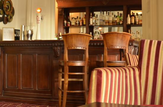 The Broadway Hotel : New Bar