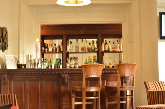 The Broadway Hotel: New Bar