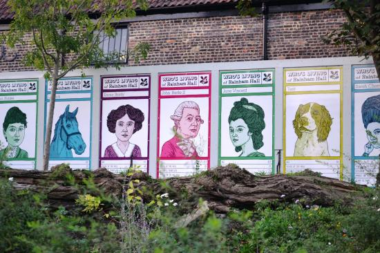 Rainham, UK: Garden Hoardings