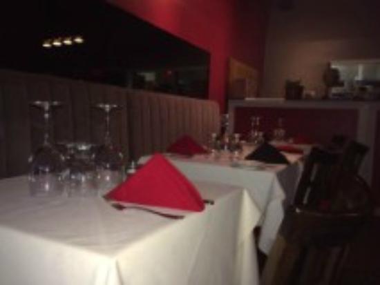 Alex H Restaurant: Main Dining Room
