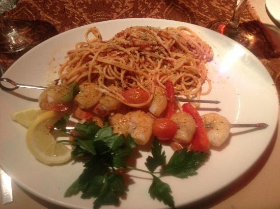 The Cook's Shop Restaurant: креветки с пастой