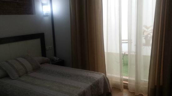 Hotel Doña Lola: Habitación Blanca