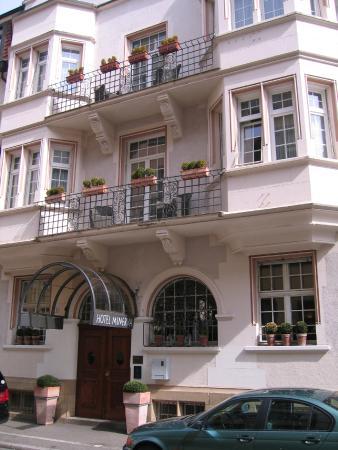 Hotel Minerva: Вид с улицы