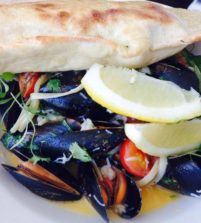 The Chy Bar: Moules Marinere