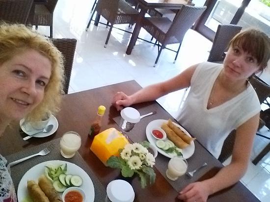 Omah Garuda Homestay: Our perfect breakfast....