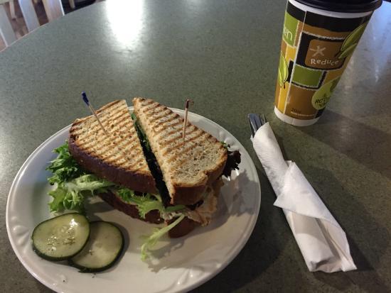 The Coffee Grounds: Turkey sandwich