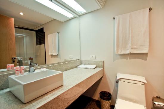 Novo Vernon Hotel: Banheiro
