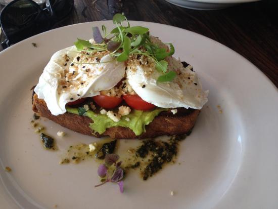Bellyfish Cafe: Bruschetta eggs