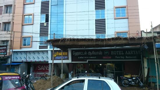 Hotel Aaryas Family Restaurant