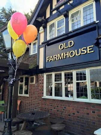 Old Farmhouse - Hungry Horse