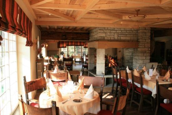 Au Moulin des Truites Bleues: Restaurant