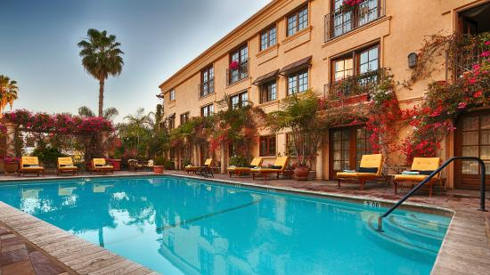 Best Western Plus Sunset Plaza Hotel: Heated Outdoor Pool
