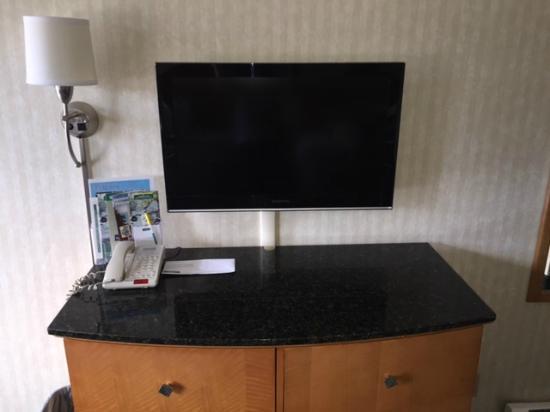 "Black Mountain Inn : 32"" LED Flat Screen TV's"