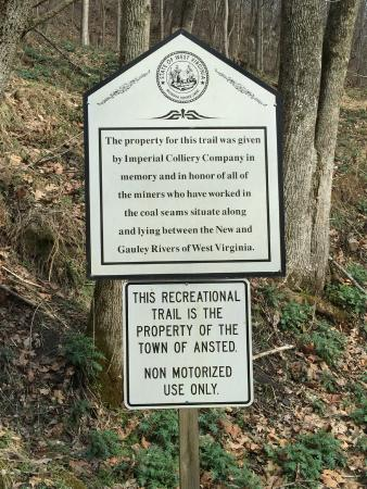 Hawks Nest State Park Lodge : Notice for Hawks Nest Rail Trail, Ansted, West Virginia