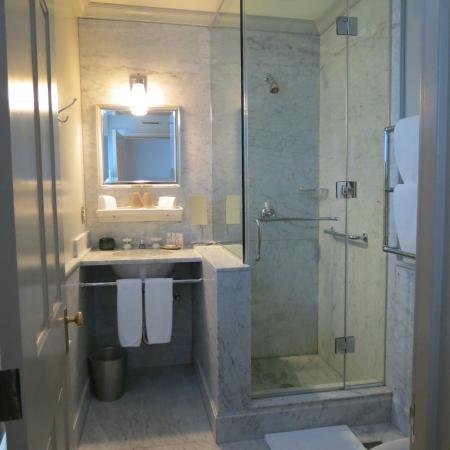 Hotel Fauchere: The gorgeous bathroom