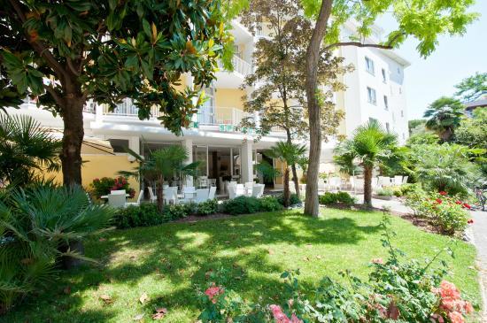Hotel park spiaggia grado olaszorsz g rt kel sek s for Hotel meuble park spiaggia