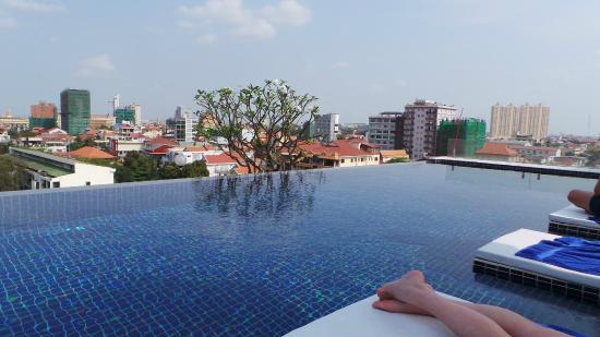 Patio Hotel U0026 Urban Resort: Rooftop Swimming Pool