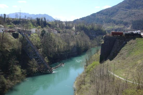 Museum Battle for the Wounded on Neretva River: .