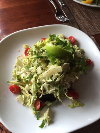 Lake Saint Louis, MO: Tostada salad