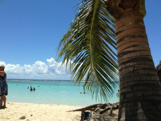 Village de la princesse : vue d'une des belles plages de St François