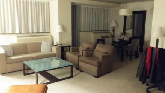 Phillips Club: Living Room area