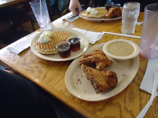 Roscoe's House of Chicken & Waffles: the food! fried chicken and waffles!