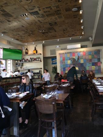 Libertador Parrilla Argentina: comfortable dining room