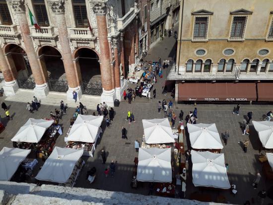 Piazza Dei Signori: Mercato Antiquariato