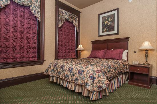 Hickok's Hotel & Gaming: Junior Suite 3