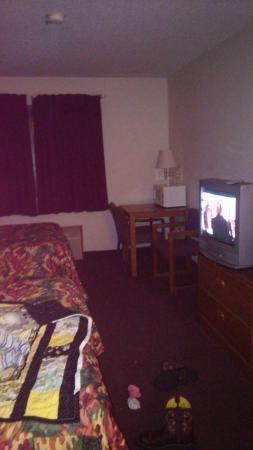 Marston, MO: room